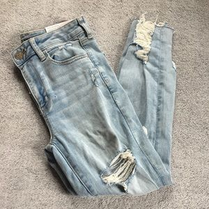 NWT American Eagle Distressed Hi Rise Jegging Crop